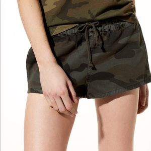 Aritzia TNA Camo Trope Shorts